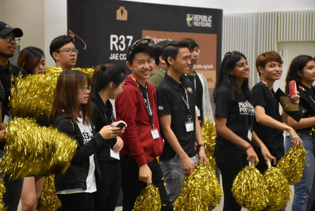 MENTOR'S LOVE:  A successful team comes with good support. 30 students leaders from SOH had helped to nurture and guide potential hospitality students. (Photo: Maisha Samiha)