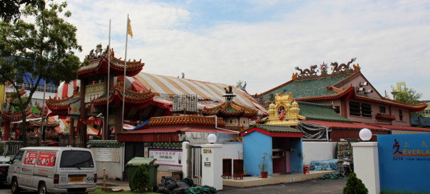 MORE THAN MEETS THE EYE: Also located in Yishun is yet another seemingly regular Chinese temple. However, Hock Huat Keng temple also has Hindu deities under its very roofs. (Photo: Emmanuel Phua)