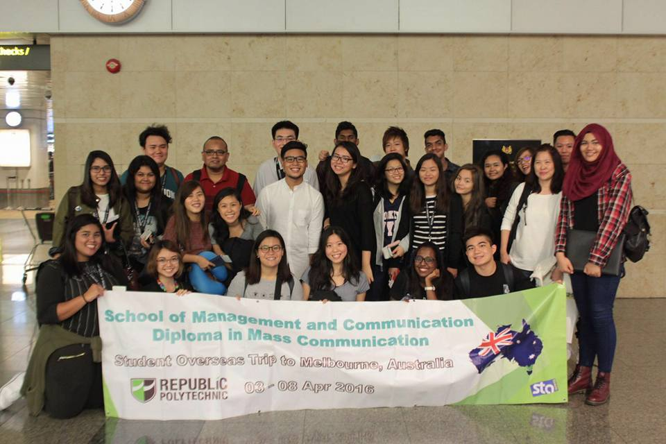 One for the road: The writer (top row, third from left) together with students and two Mass Communication lecturers from RP at Singapore Changi Airport Terminal 2 on Apr 2, 2016, posed for a group photo before boarding their flight to Melbourne. (Photo: Rachel Ng)